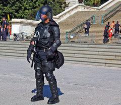 dc_riot-police1.jpg
